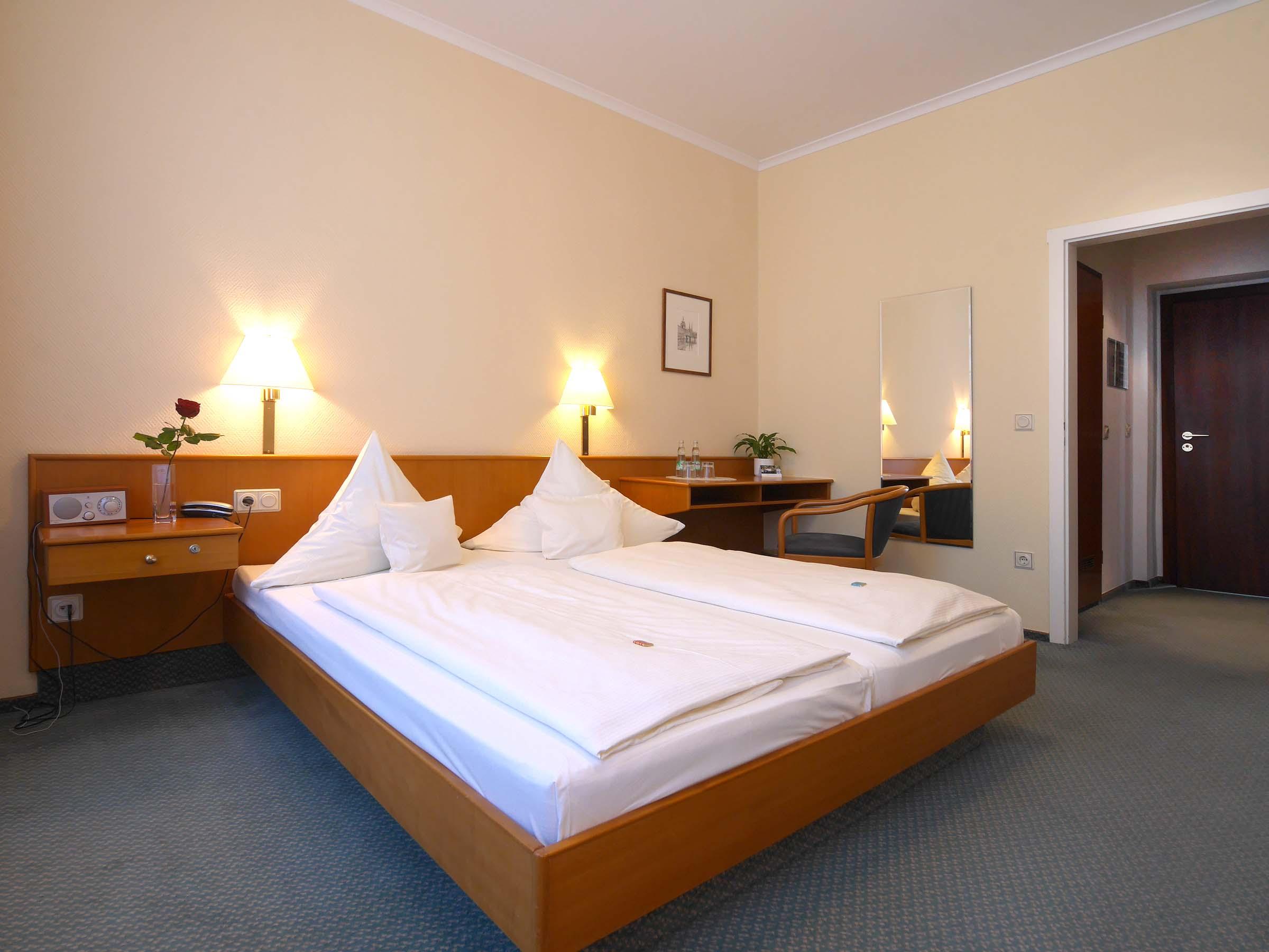 Unsere hotelzimmer hotel martha dresden for Hotelzimmer dresden